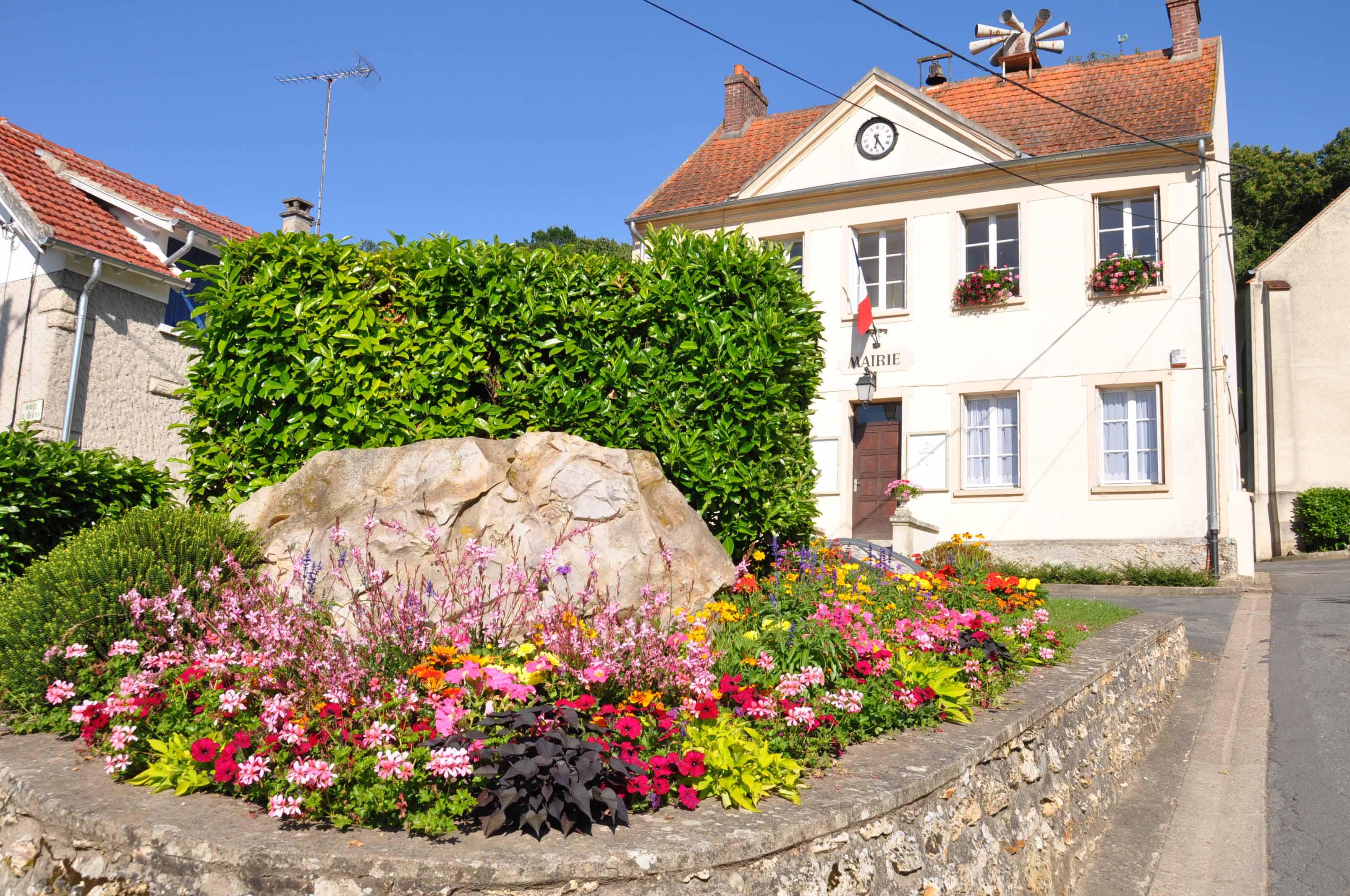 Village fleuri - Béthemont-la-Forêt
